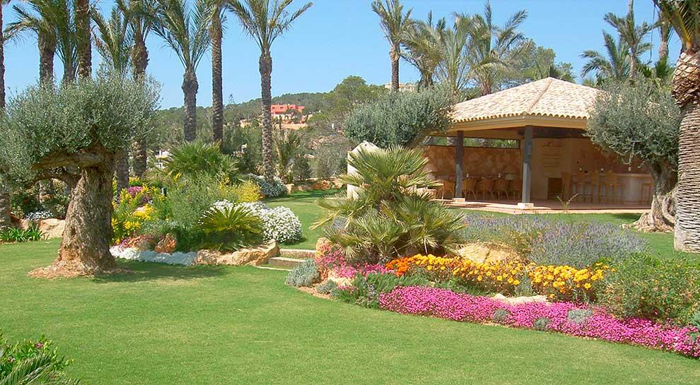 El jardín mediterráneo, abundancia botánica sin apenasagua.
